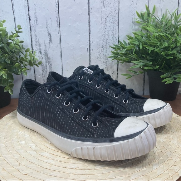 Converse All Star's Black Sneakers